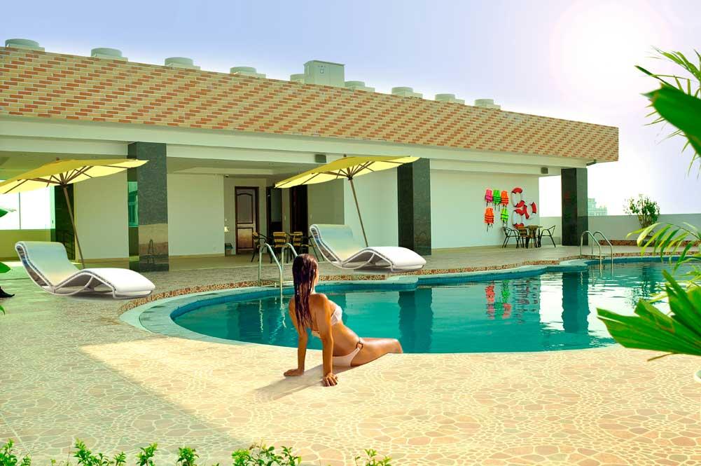 bể bơi khách sạn thiên ý